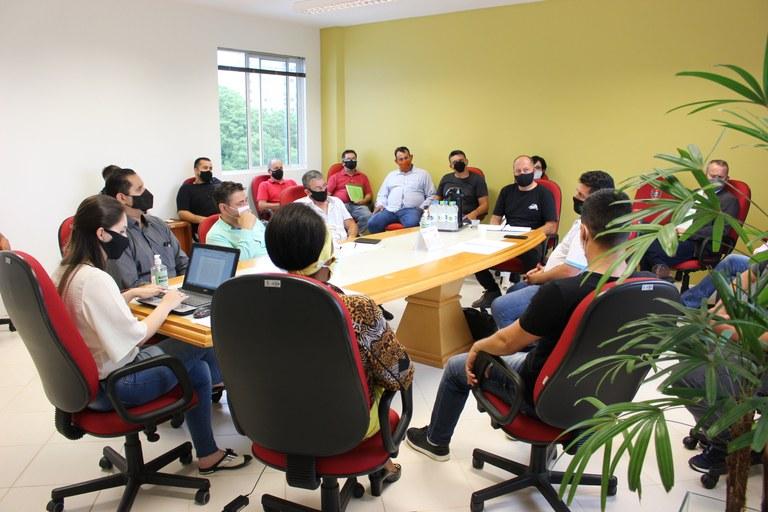 Vereadores promovem reunião com representantes de transporte por aplicativos
